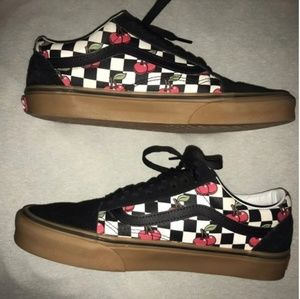 Vans cherry old skool Checkerboard shoes W 5.5